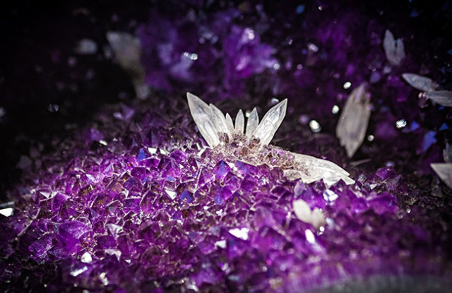 The_Crystal_Gallery_purple_and_white_crystal
