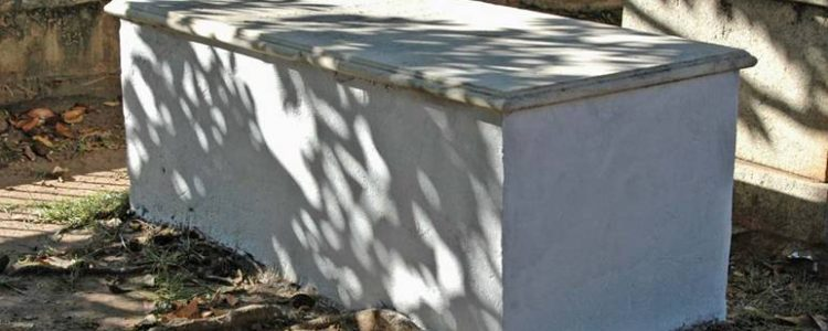 Whited-Sepulchre-750x300