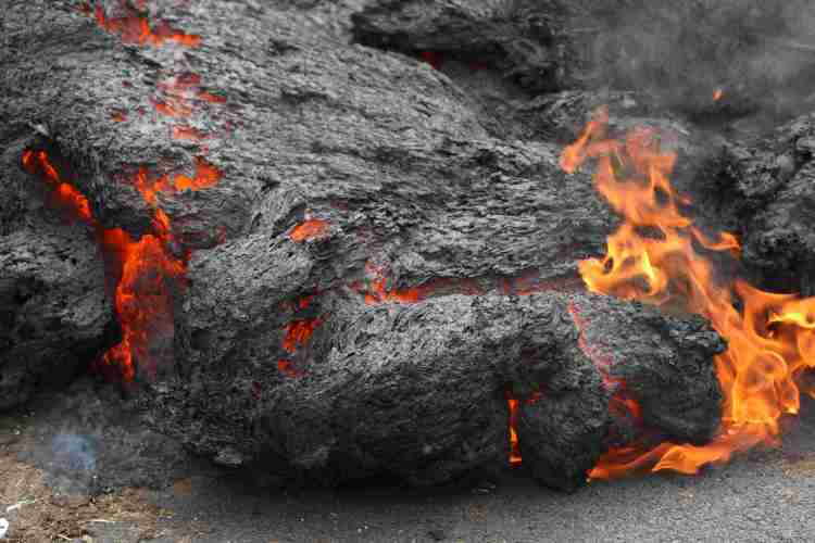 You can't stop lava flow.jpg